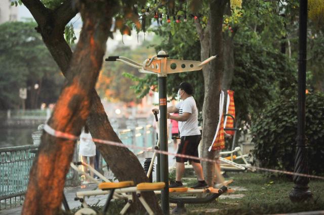 Hà Nội: Phạt đến 3 triệu đồng nếu người dân ra đường khi không cần thiết